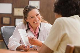 Если увеличена щитовидка - срочно на прием к врачу